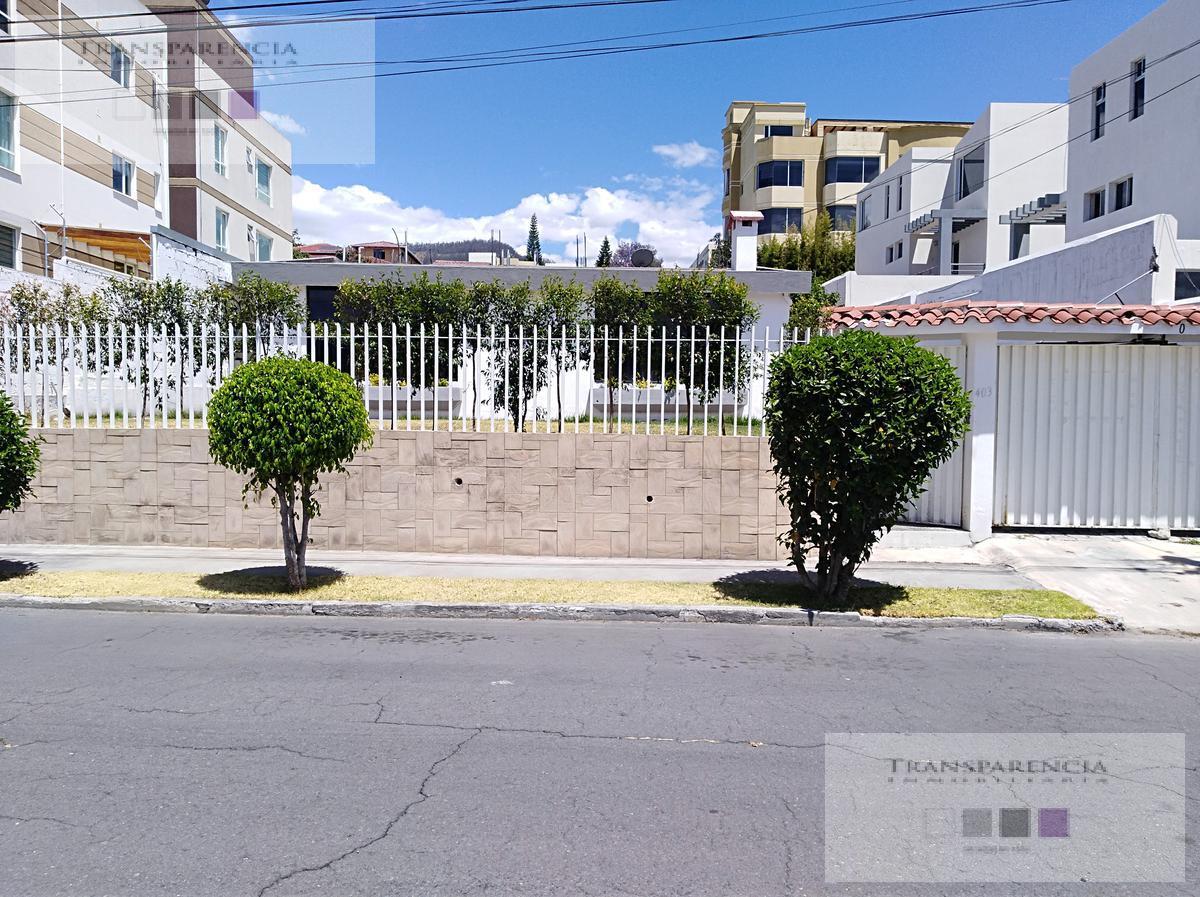 Foto Casa en Venta en  Cumbayá,  Quito   Linda casa en san Juan de Cumbayá