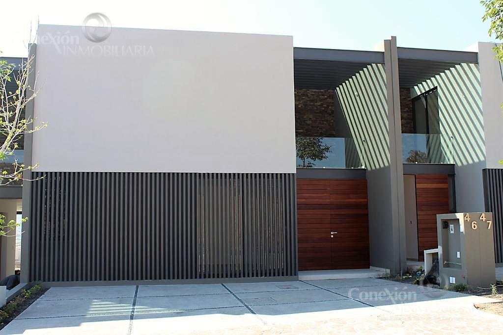 Foto Casa en Venta en  Altozano el Nuevo Queretaro,  Querétaro  Casa de lujo en venta, en Altozano Queretaro
