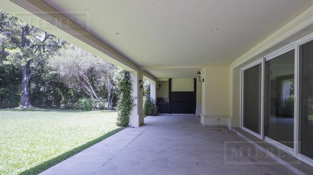 Mieres Propiedades - Casa de 350 mts - Highland Park