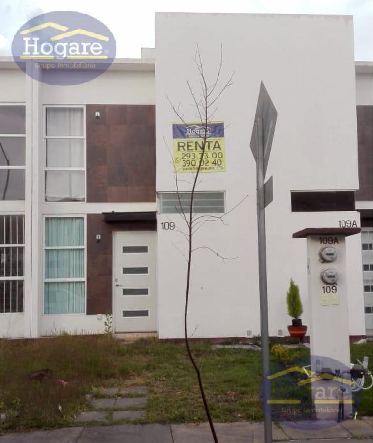 Casa en Renta, Semi-amueblada, Valle del Gigante, León, Gto. A 10 minutos del eje metropolitano