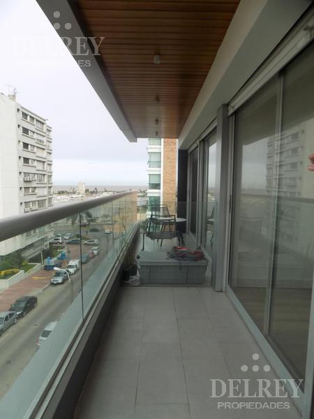 Foto Departamento en Venta en  Puerto Buceo ,  Montevideo  PUERTITO DEL BUCEO