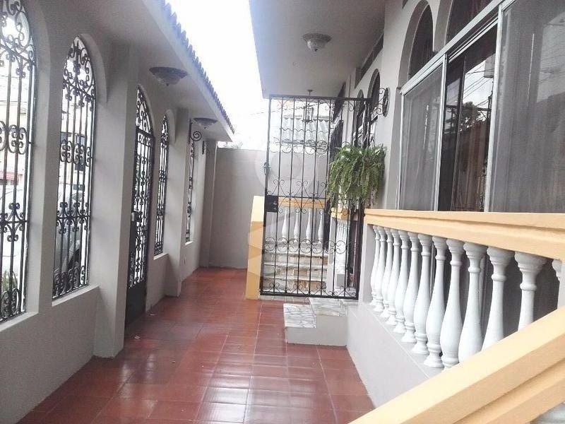 Foto Edificio Comercial en Venta en  Norte de Guayaquil,  Guayaquil      VENTA DE CASA RENTERA- URDESA CIRCUNVALACIÓN SUR EXCELENTE OPORTUNIDAD