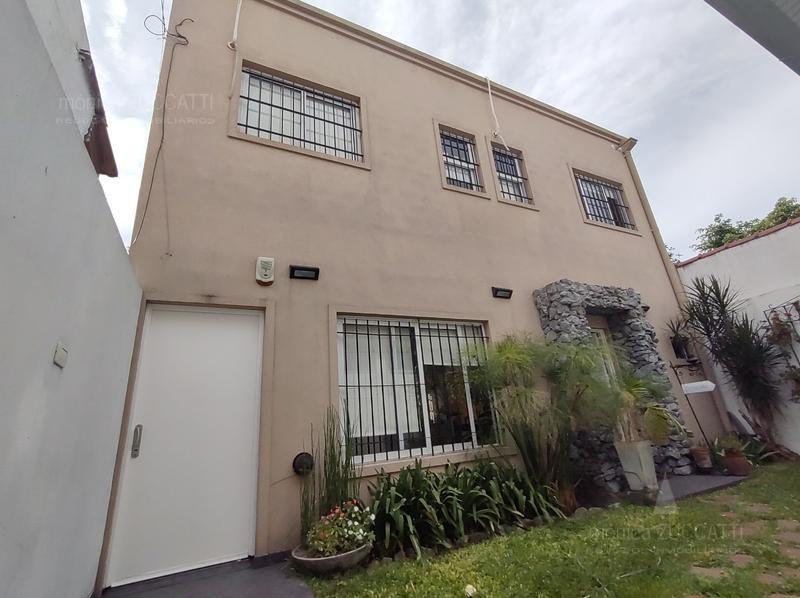 Foto Casa en Venta en  Banfield Este,  Banfield  Palacios 1437