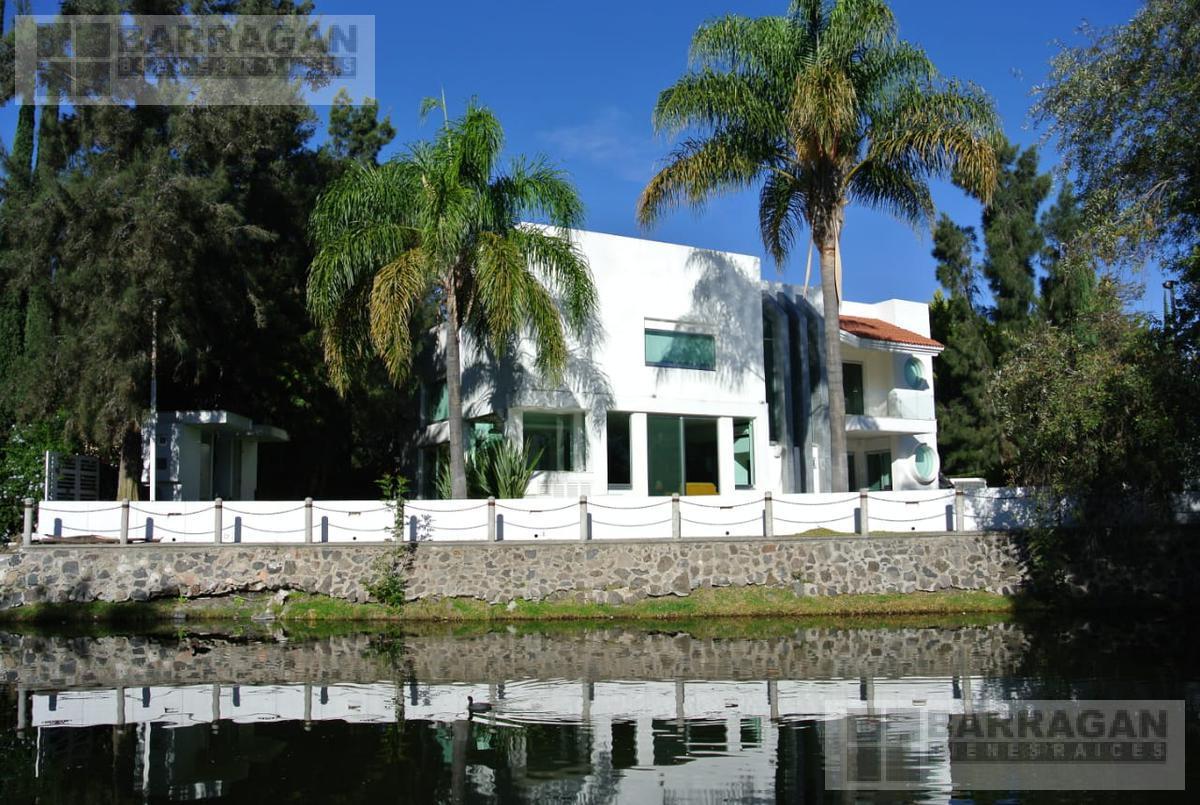 Foto Casa en Venta en  Fraccionamiento El Campanario,  Querétaro  Casa con Espectacular vista al Lago en Venta, El Campanario, Querétaro