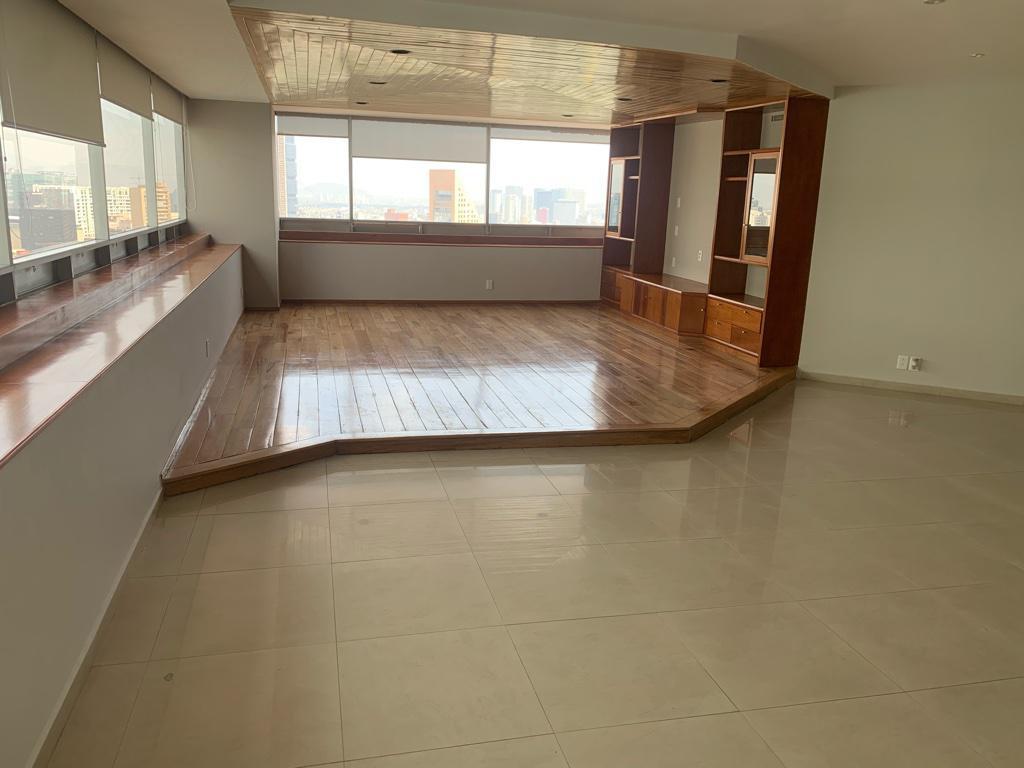 Foto Departamento en Venta en  Lomas de Chapultepec,  Miguel Hidalgo  Lomas de Chapultepec departamento remodelado a la venta en Palmas Camerún (LD/js)