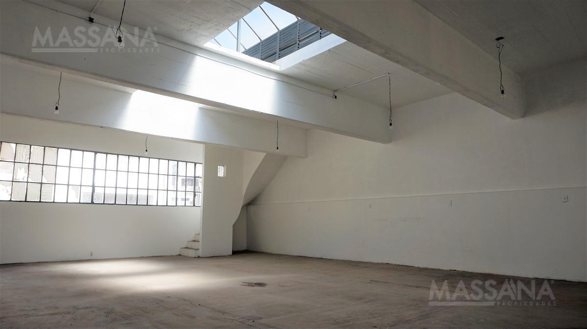 Foto Oficina en Venta en  Flores ,  Capital Federal  AV. GAONA al 2400
