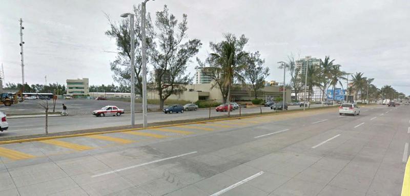 Foto Terreno en Venta en  Fraccionamiento Las Americas,  Boca del Río  TERRENO EN VENTA AV. RUIZ CORTÍNES