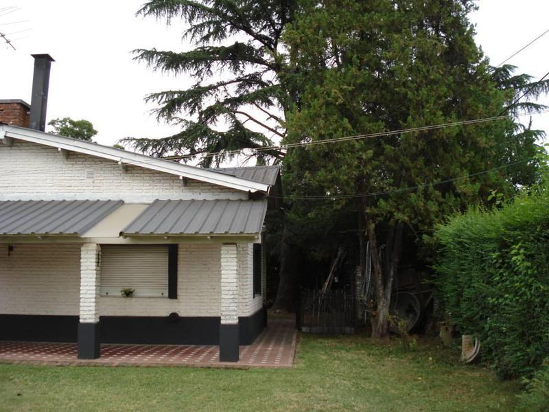 Foto Casa en Venta en  City Bell,  La Plata  452 Y 23 BIS CITY BELL