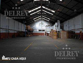 Foto Local en Alquiler en  Aguada ,  Montevideo  Rondeau y Colombia