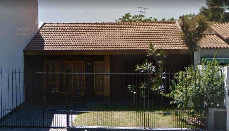 Foto Casa en Venta    en  Banfield Oeste,  Banfield  Gral. José de San Martín 1055