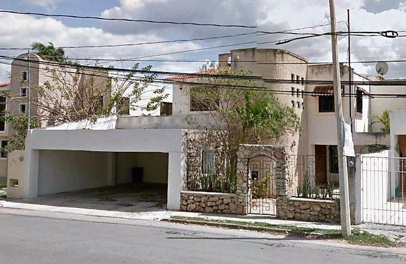 Foto Casa en Venta en  Fraccionamiento Monterreal,  Mérida    Se Vende Casa Sobre Avenida en Monterreal