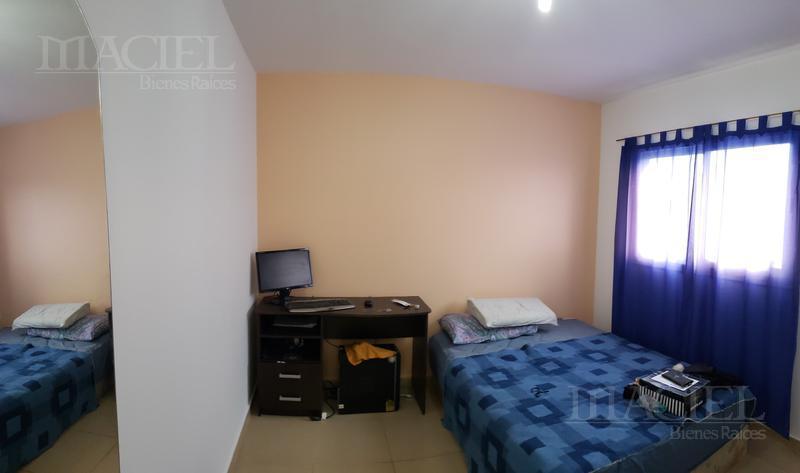 Foto Casa en Venta en  Valle Escondido,  Cordoba Capital  Liquido duplex Housing z/ Norte 3 dorm, 2 bños, calef Ctral, renta $ 22500!