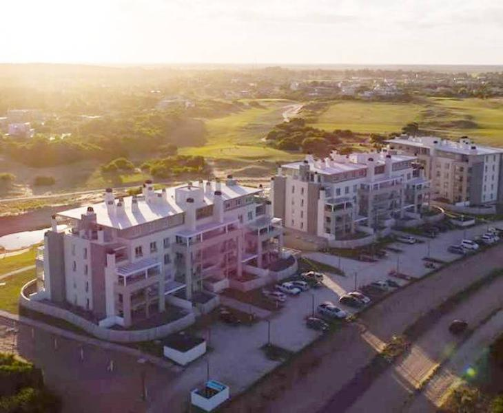 Foto Departamento en Alquiler temporario en  Costa Esmeralda,  Punta Medanos  AlGolf19 - Edificio ALBATROS 1, Piso 2 B