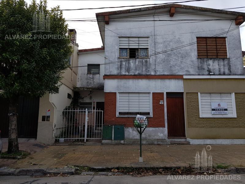 Foto Departamento en Venta en  Haedo,  Moron  Saavedra al 400