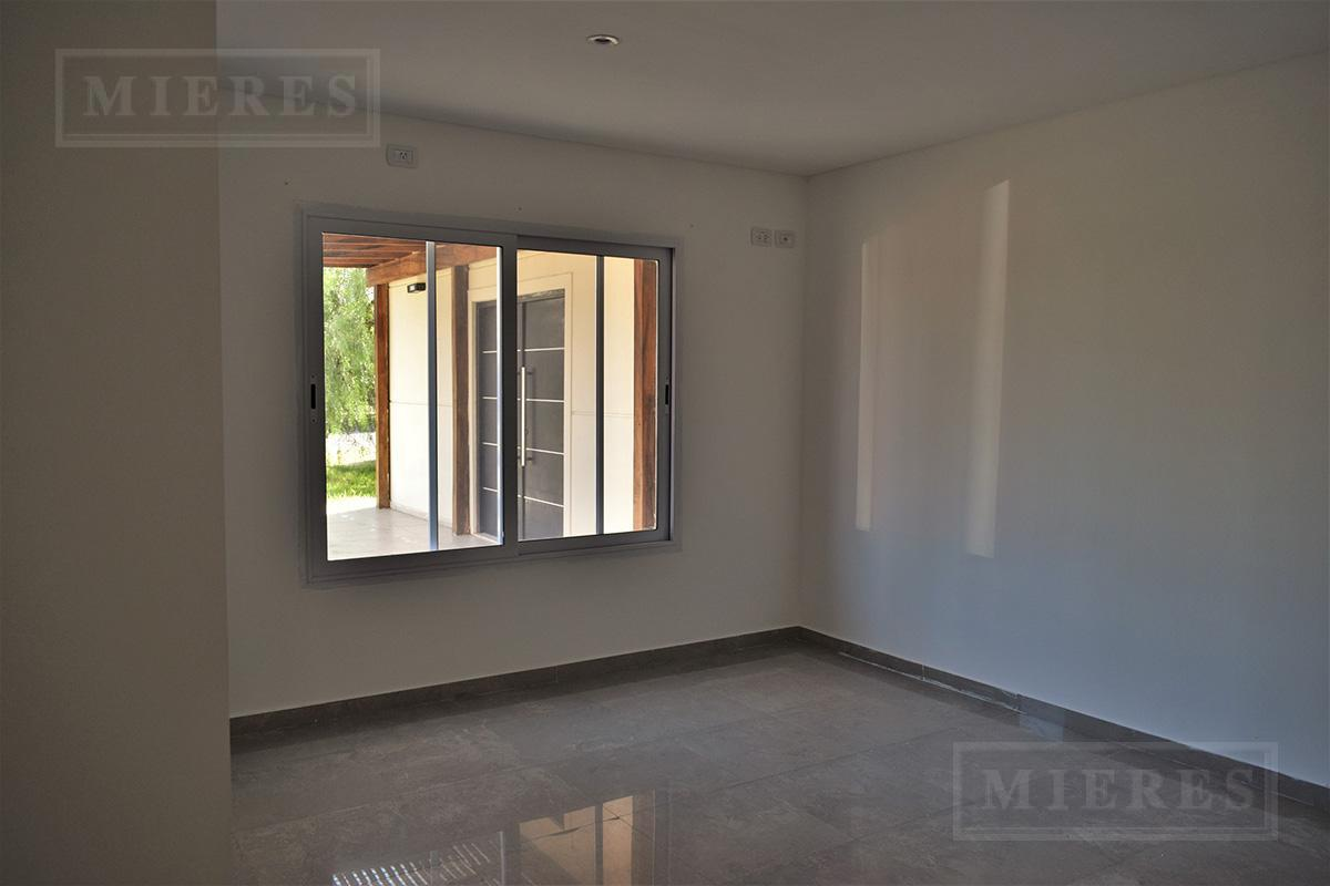 MIERES Propiedades - Casa 300 mts en Estancias del Pilar Estancias del Rio