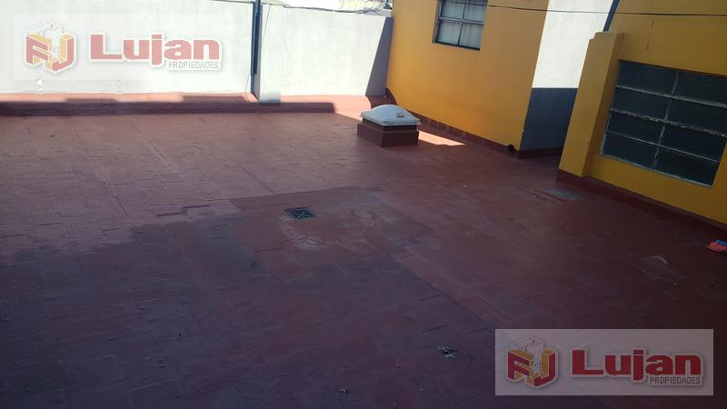 Foto PH en Venta en  Mataderos ,  Capital Federal  P.H. Larraya y Directorio, mataderos,  4 ambientes a reciclar con terraza, al frente.