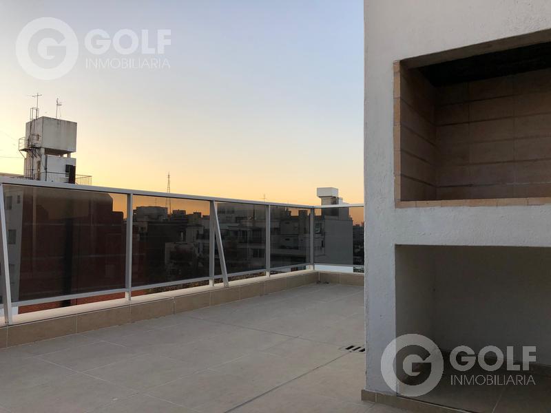 Foto Departamento en Alquiler en  Pocitos ,  Montevideo  Penthouse de 1 dormitorio con garaje, terrazas y parrillero exclusivo