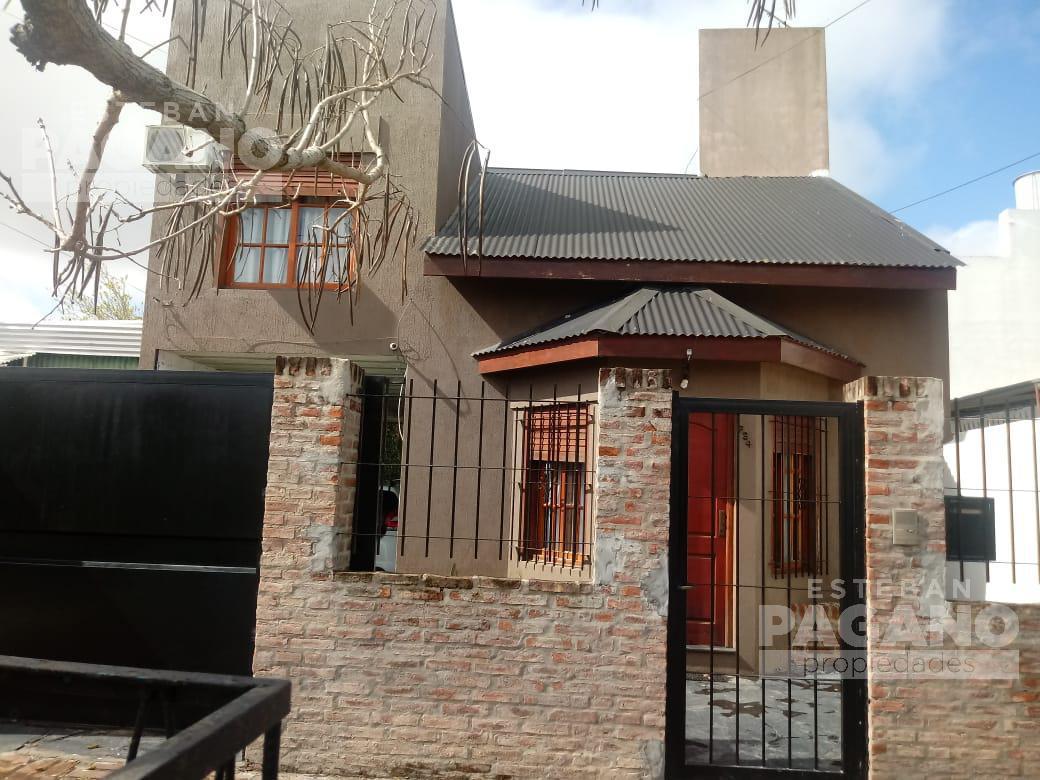 Foto Casa en Venta en  Villa Elvira,  La Plata  73 e 9 y 10 N° 734