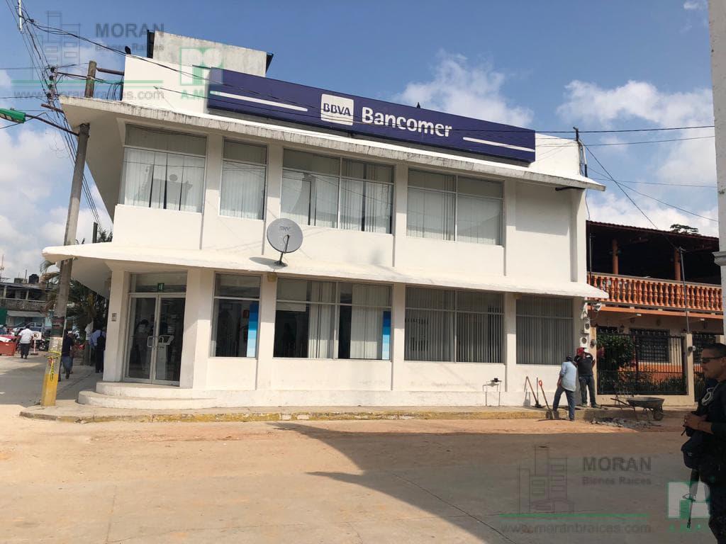 Foto Edificio Comercial en Renta en  Las Choapas Centro,  Las Choapas  Calle 5 de mayo No. 102 A esq. calle 18 de marzo, Zona Centro, Las Choapas, Ver.