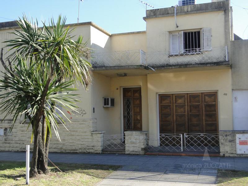Foto Casa en Venta en  Lomas de Zamora Oeste,  Lomas De Zamora  Rivera 311