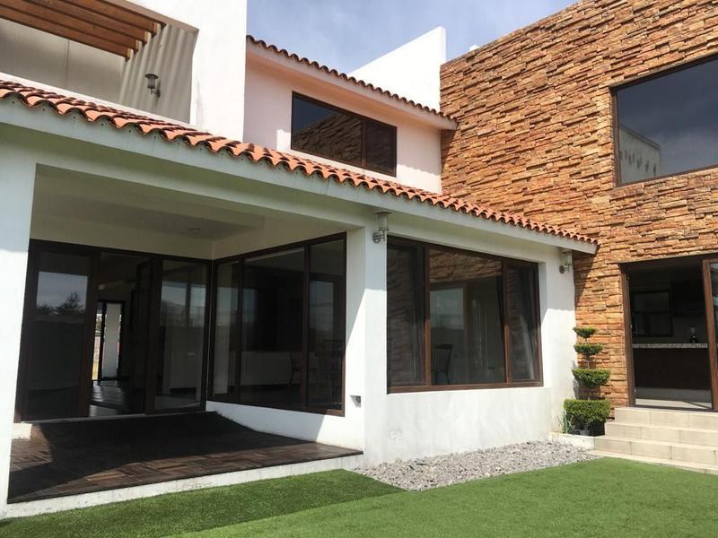 Foto Casa en condominio en Venta en  Rancho la Providencia,  Metepec  PRECIOSA RESIDENCIA EN LA PROVIDENCIA CONJUNTO GRANADA