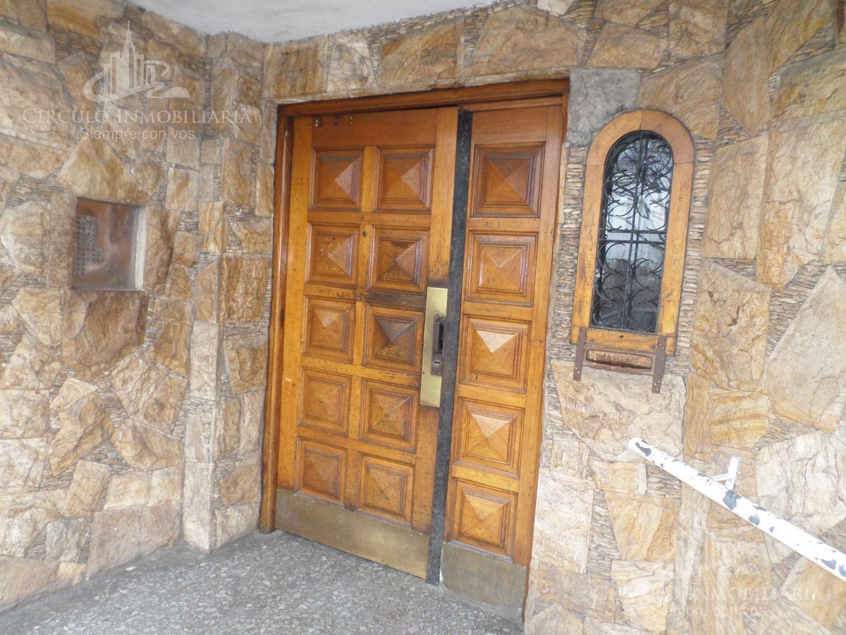Foto Departamento en Venta en  Villa Lugano ,  Capital Federal    2 de Abril  de1982 B. Piedrabuena