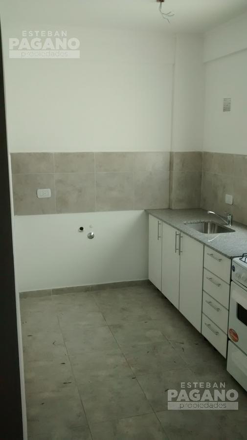 Foto Departamento en Alquiler en  La Plata ,  G.B.A. Zona Sur  55 e 9 y 10 N° 716  1/2, 7to c