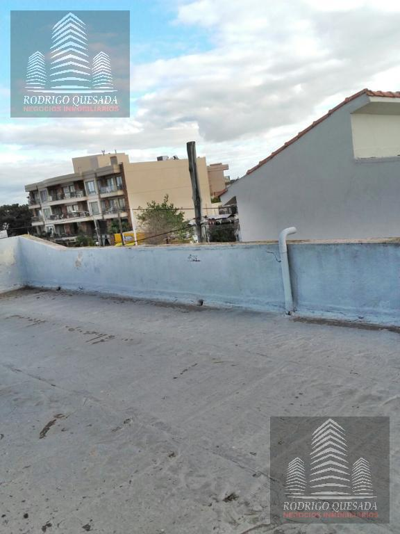 Foto Casa en Venta en  Costa Azul ,  Costa Atlantica  Excelente casa a 50 metros del mar - Costa Azul