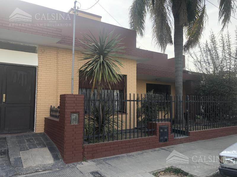 Foto Casa en Venta en  Barrio Centro,  Villa Allende          Rivera Indarte casi Av Goycoechea