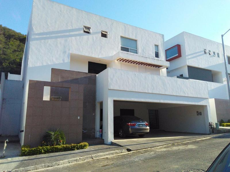 Foto Casa en Venta en  Flor de Piedra,  Monterrey  Casa en Venta Carretera Nacional