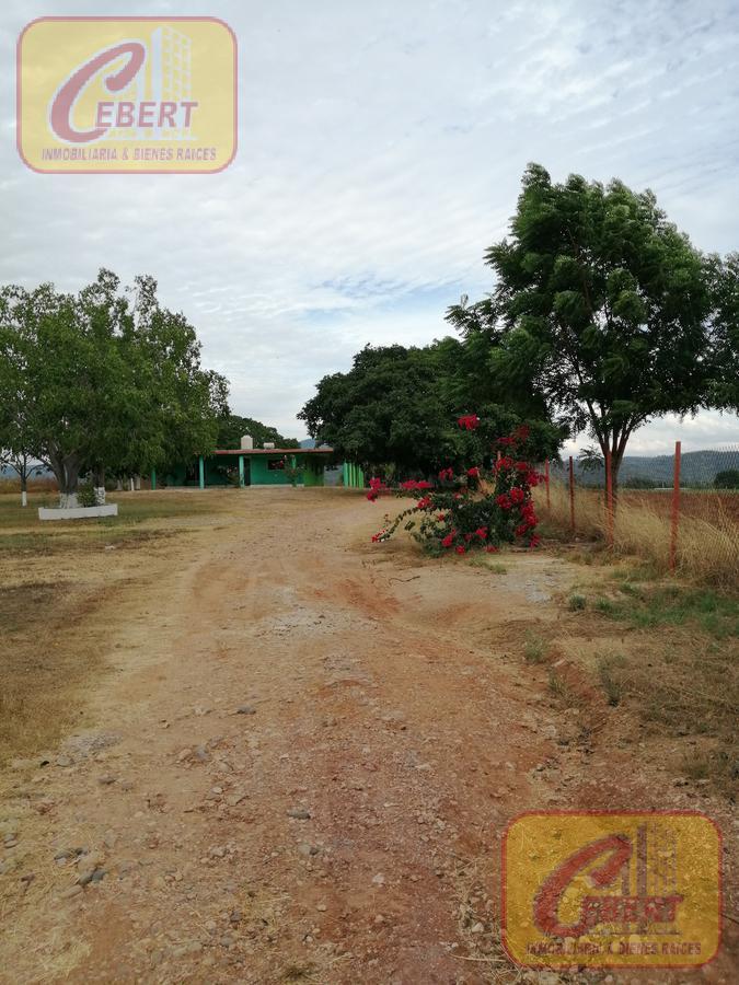 Foto Campo en Venta en  Mazatlán ,  Sinaloa  TERRENO EN VENTA 6 HAS DE RIEGO  CON CASA HABITACIÓN INCLUIDA EN ROSARIO SIN.