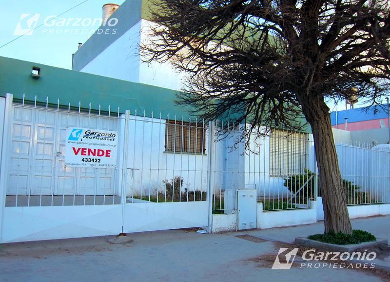 Foto Casa en Venta en  Trelew ,  Chubut  Maipu al 1000