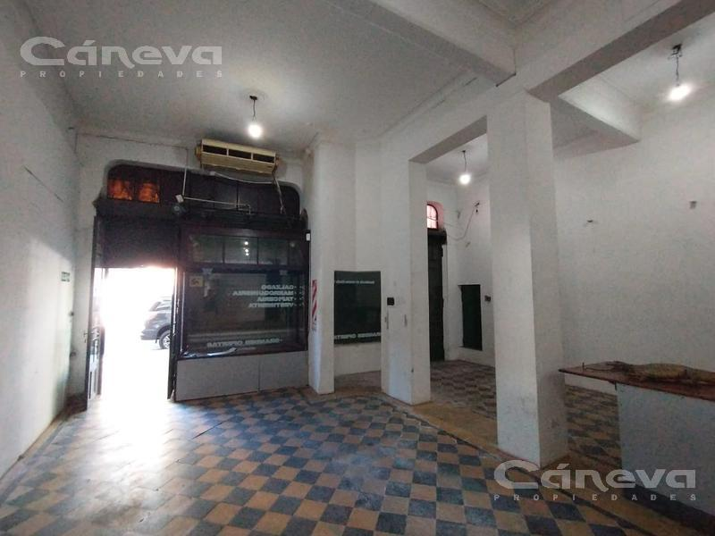Foto Local en Alquiler en  Boedo ,  Capital Federal  Av. Boedo al 1200