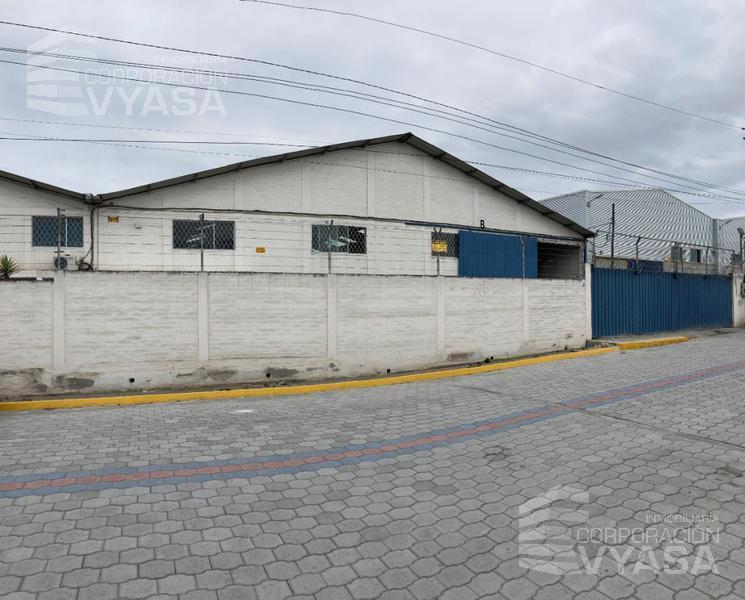 Foto Bodega en Alquiler en  Calderón,  Quito  CALDERÓN - MARIANITAS, EXCELENTE BODEGA DE RENTA DE 743 m2 CON 214 m2 DE OFICINAS