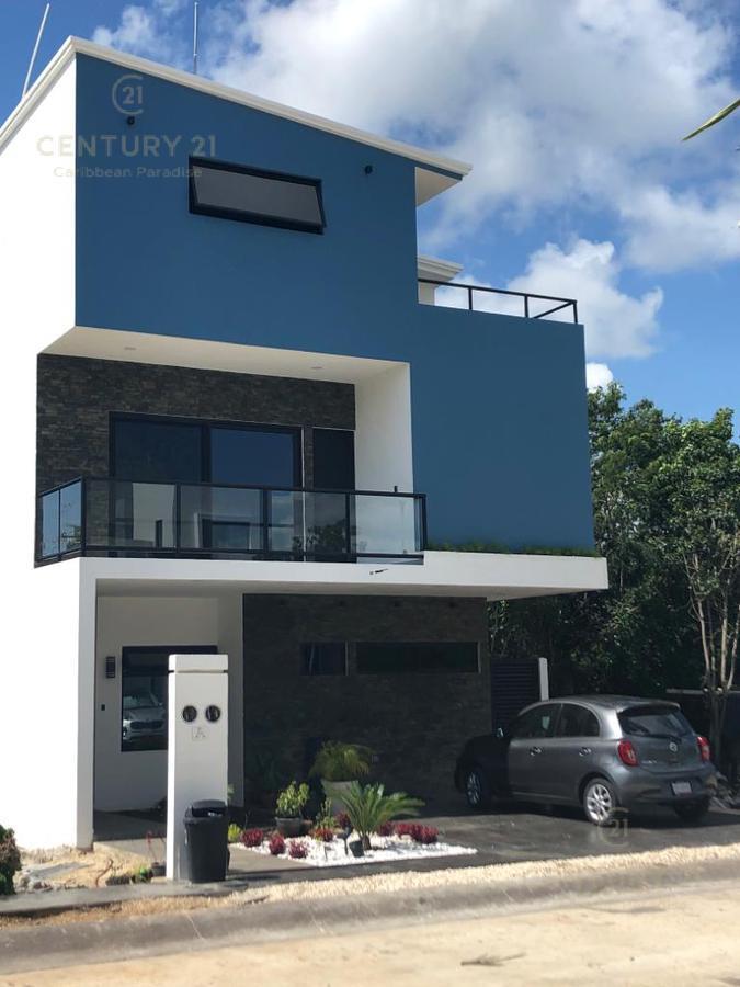 Foto Casa en Venta en  Fraccionamiento Encuentro,  Playa del Carmen  Increíble Residencia en El Encuentro Playa Del Carmen P2963