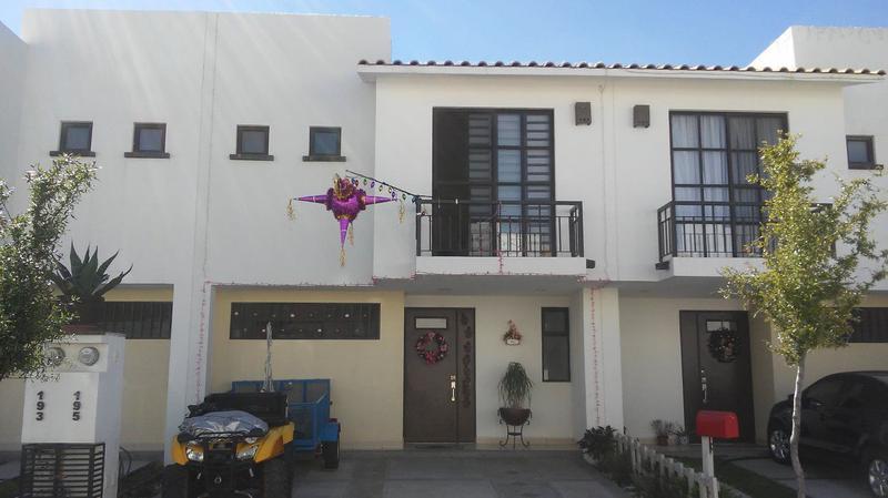 Hermosa Casa Amueblada en Renta en León Gto Fraccionamiento La Yesca
