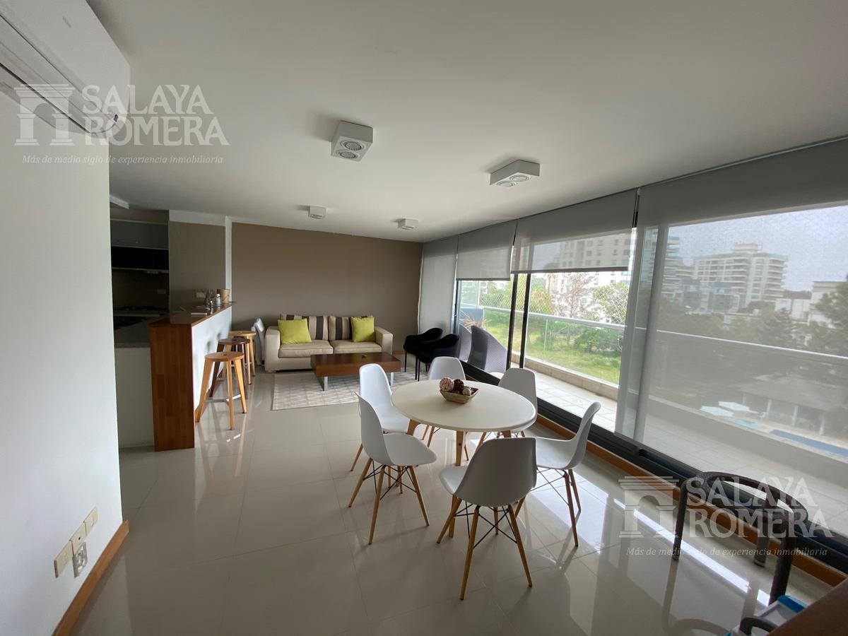 Foto Departamento en Alquiler temporario en  Punta del Este ,  Maldonado  Alquiler Temporario - Bravissima 6 - Penthouse en Playa Brava, Primera Linea