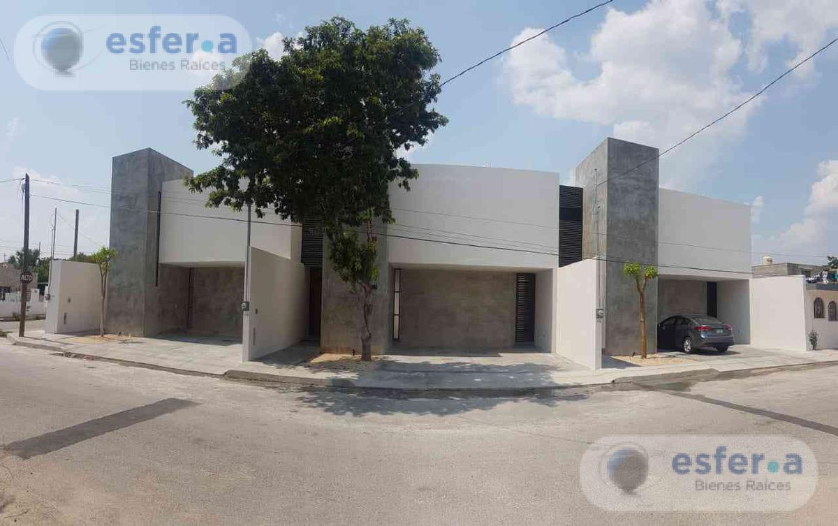 Foto Departamento en Venta en  Santa Maria,  Mérida  Town house  en venta Santa María Chuburna, A estrenar