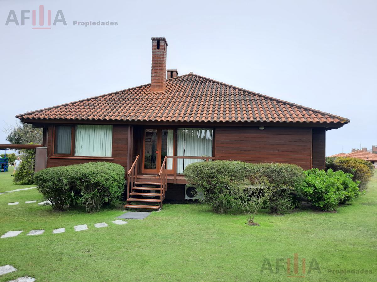 Foto Casa en Alquiler temporario en  Playa Brava,  Punta del Este  Parada 29 playa Brava
