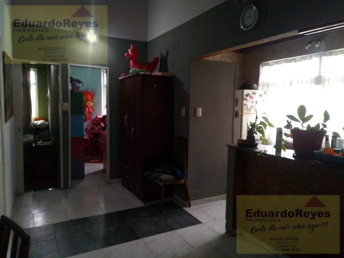 Foto Departamento en Venta en  Lanús Este,  Lanús  VILLA DE LUJAN 2307