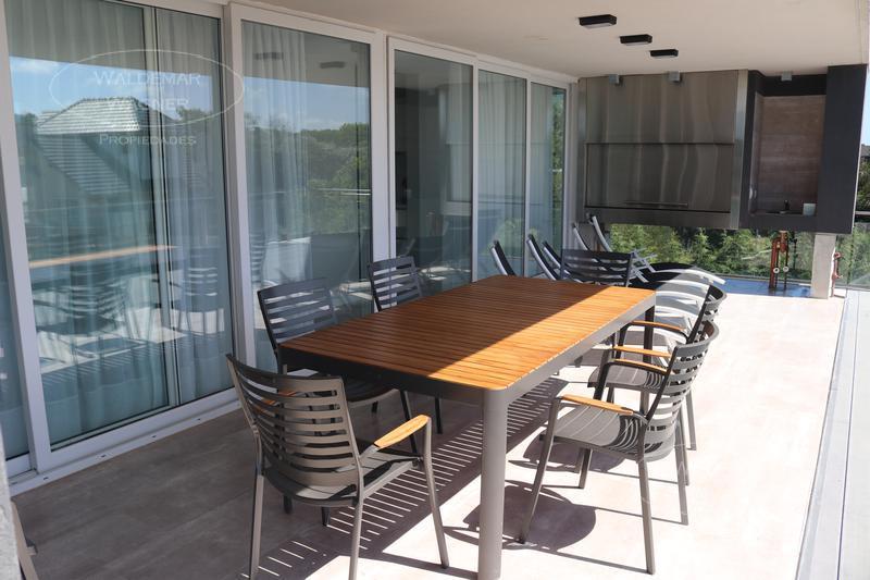 Foto Casa en Venta | Alquiler temporario en  Carilo ,  Costa Atlantica  Mimbre 50