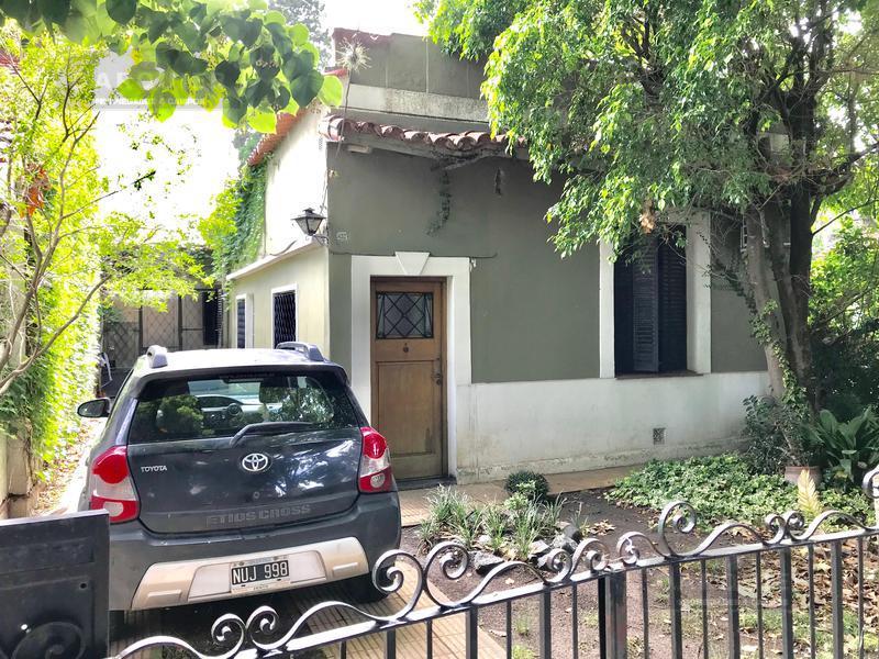 Foto Casa en Venta en  Adrogue,  Almirante Brown  DE KAY  657