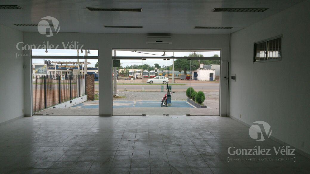 Foto Local en Venta en  Carmelo ,  Colonia  Local Av. Italia frente Ancap