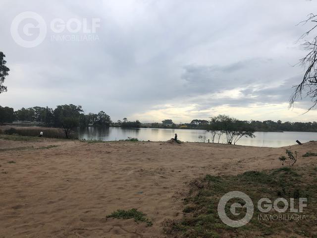 Foto Terreno en Venta en  Canelones ,  Canelones  Terreno sobre el lago con posibilidad de edificar en altura