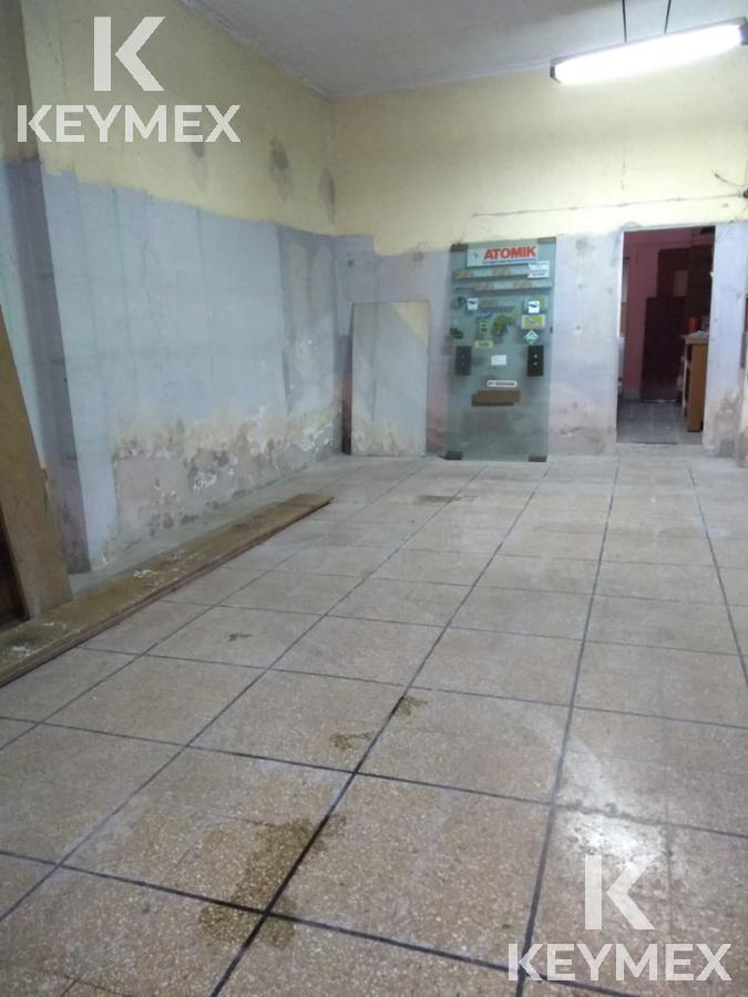 Foto Local en Venta en  La Plata,  La Plata  12 e 70 y 71