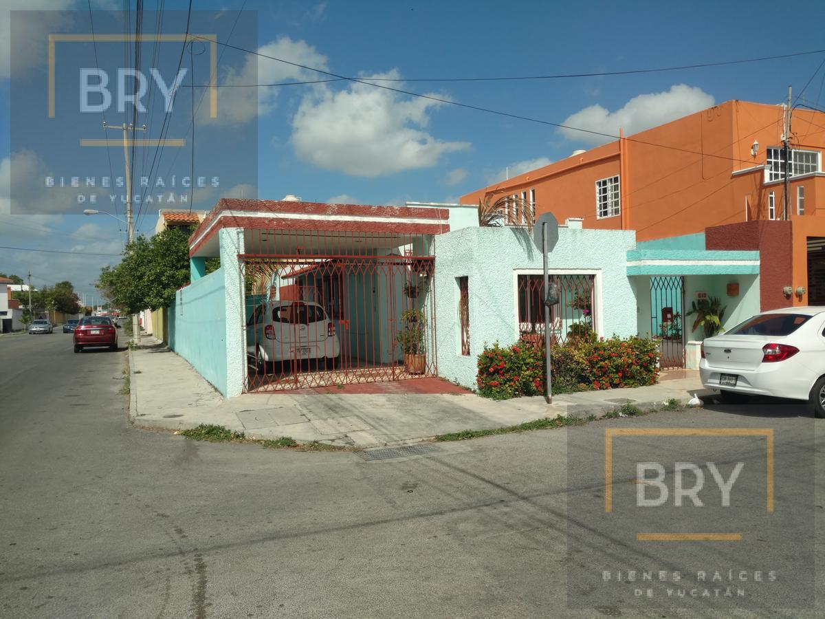 Foto Casa en Venta en  Fraccionamiento Pensiones,  Mérida  Se vende casa de una planta  en esquina del Fracc. Pensiones.