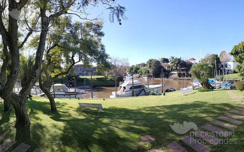 Foto Departamento en Alquiler en  Boating Club,  Countries/B.Cerrado  Uriburu al 900