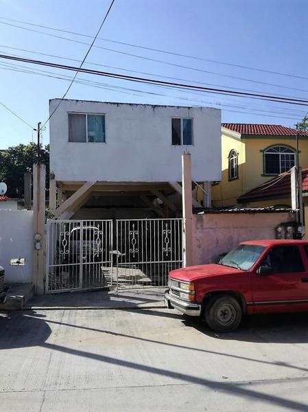 Foto Casa en Venta en  Solidaridad Voluntad y Trabajo,  Tampico  Venta de Propiedad con Deptos. Col. Solidaridad, Voluntad y Trabajo