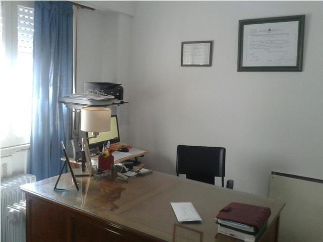 Foto Oficina en Venta en  Centro,  Mar Del Plata  Rivadavia 3174