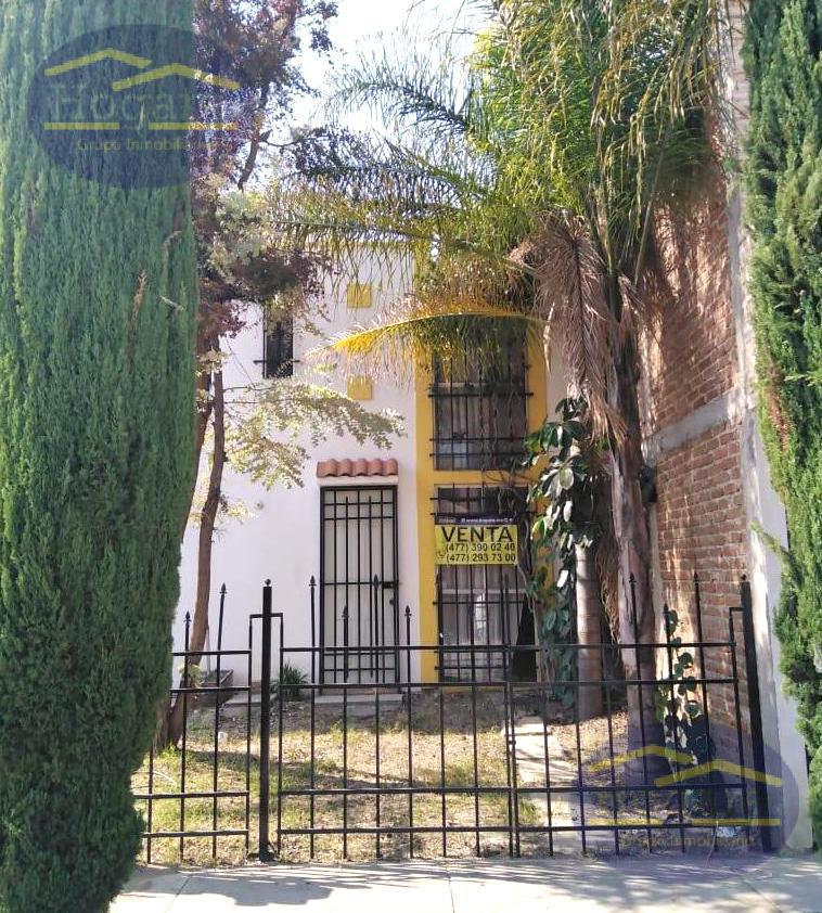 Casa Venta 3 Recámaras Excelente ubicación Fraccionamiento El Faro León Gto